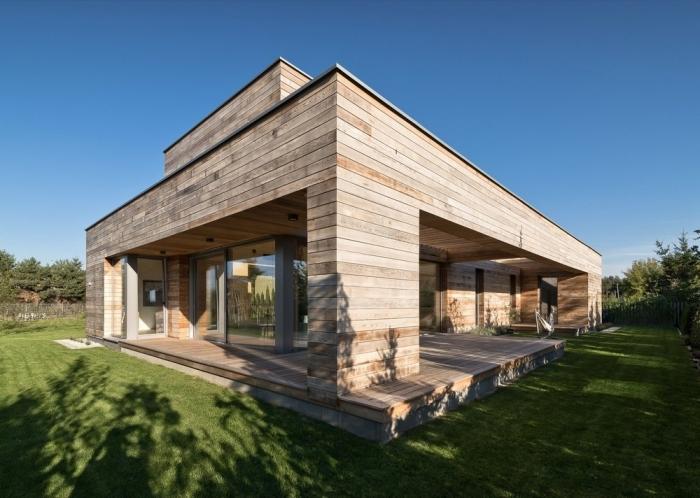 Дом в Польше, построенный из древесины кедра
