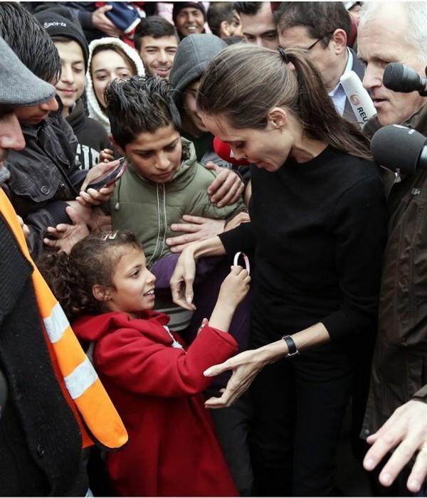 Анджелина Джоли 35 килограмм