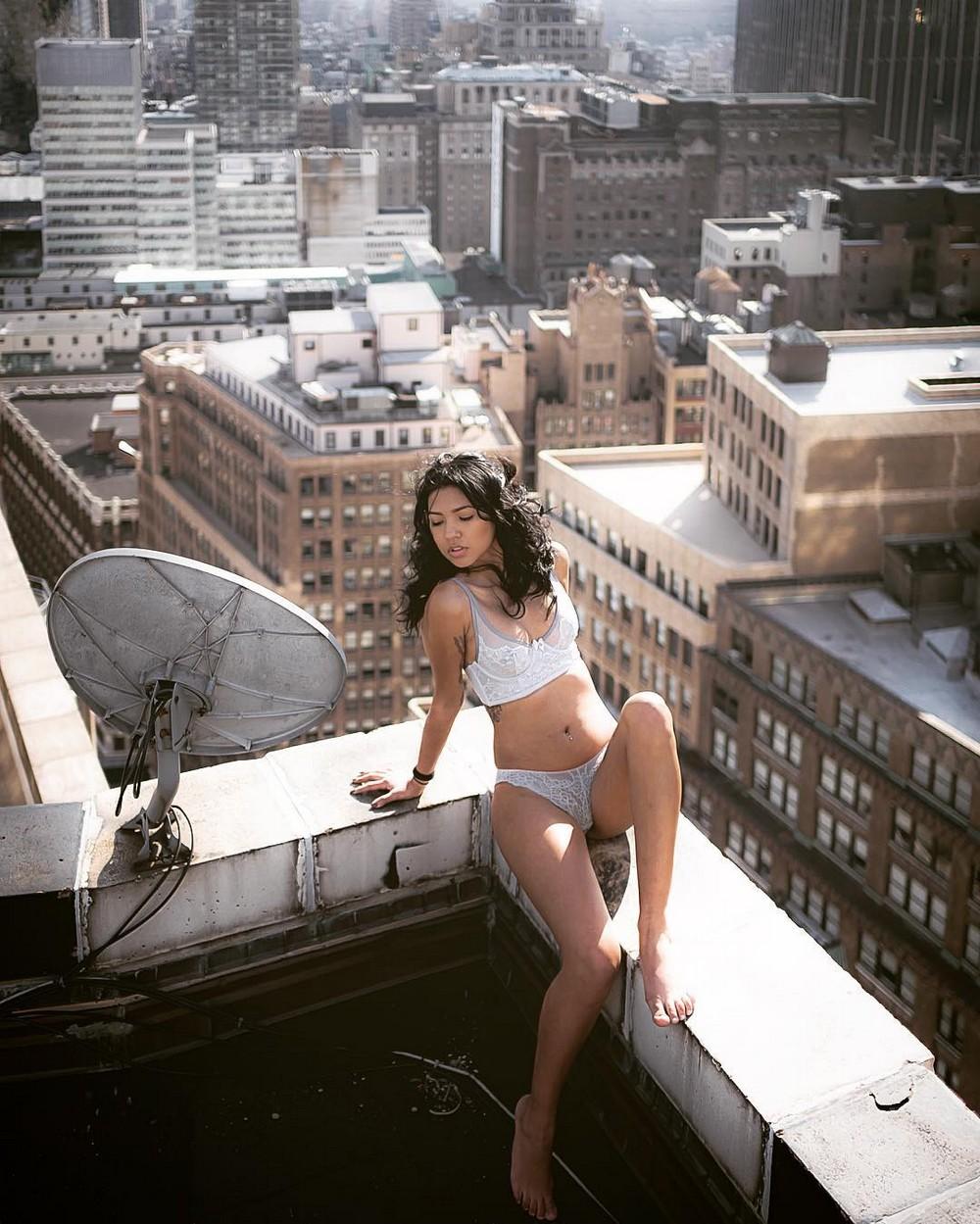 Трахнул на крыше небоскреба 15 фотография