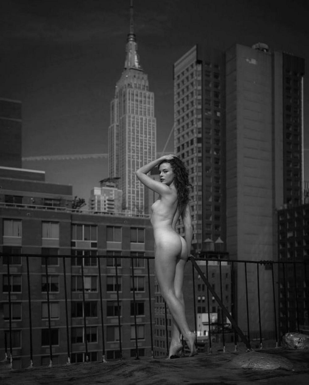 Трахнул на крыше небоскреба 11 фотография