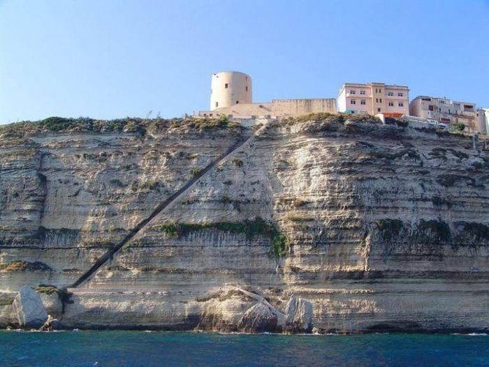 Лестница короля Арагона на Корсике