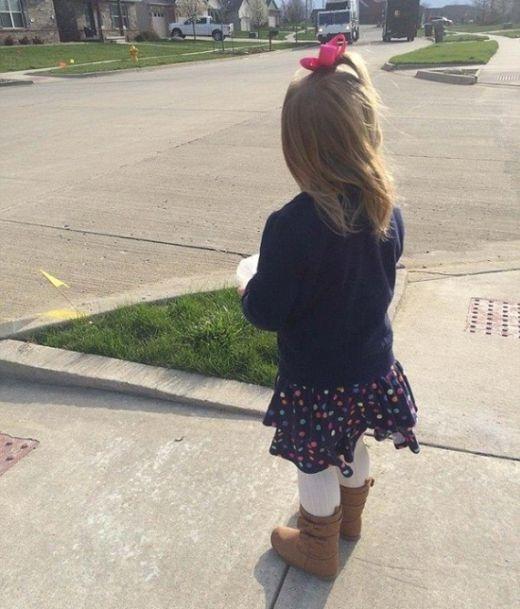 Девочка угостила мусорщика кексиком и получила от него ко дню рождения гору ...