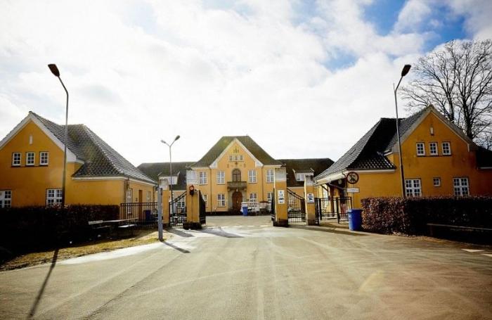 Трехзвездочная тюрьма для радикальных беженцев в Дании