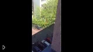 Прыжок на воздушную подушку с 10-этажки
