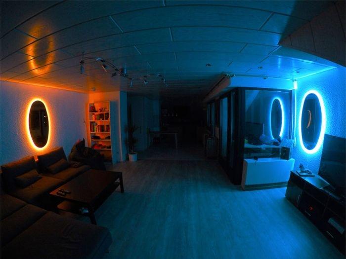 Комната с «порталами»