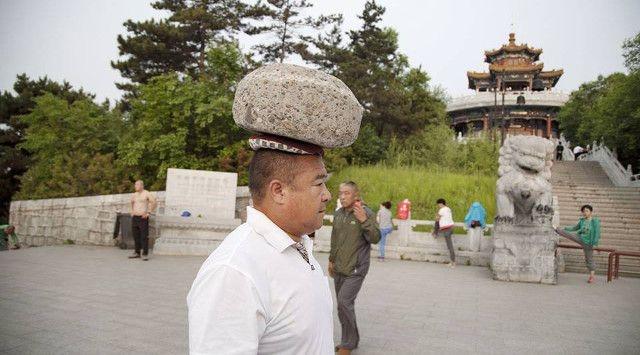 Китаец нашел действенный, но не очень удобный способ сбросить лишний вес