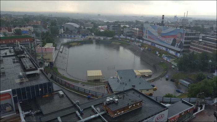Стадион «Труд» превратился в пруд