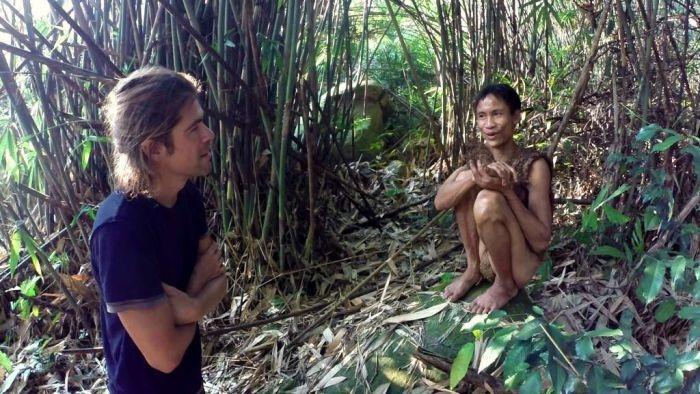 Двое жителей Вьетнама более 40 лет прятались в лесу от американских бомбеже ...
