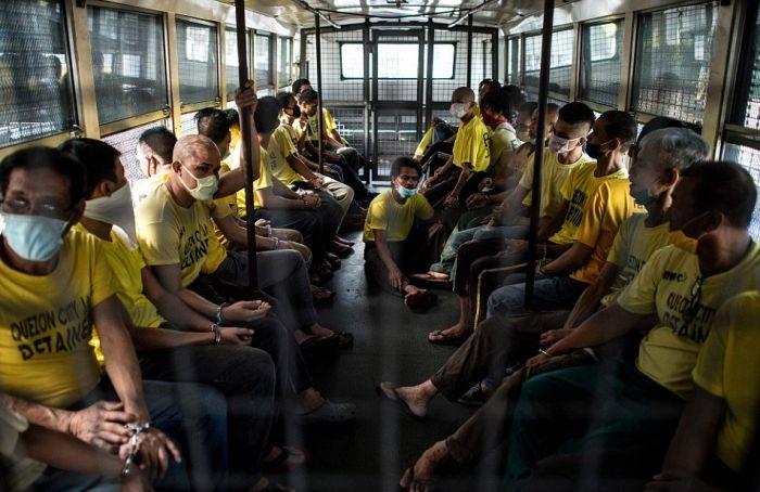 Шокирующие фото из филиппинской тюрьмы в городе Кесон-Сити