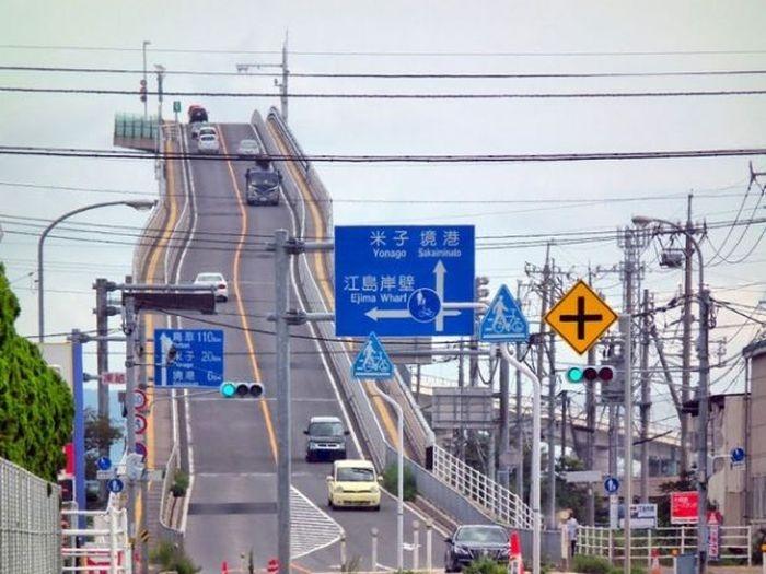 «Опасный» мост в Японии