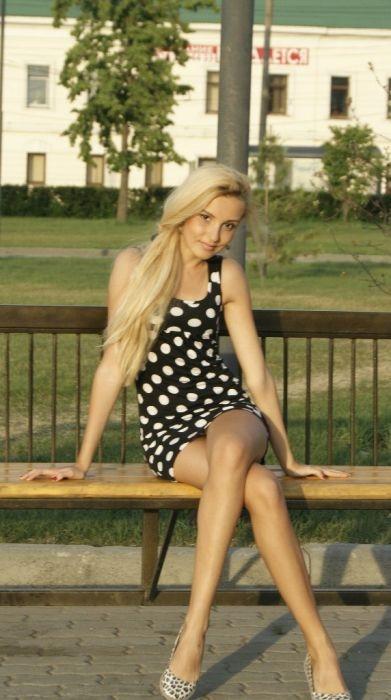 руская девушка с хорошей фигуркой дает в