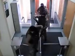 Спецназ против турникета