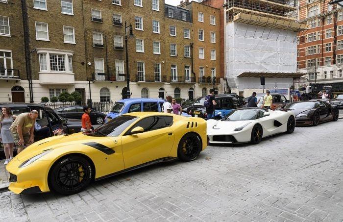 Роскошный автопарк сына катарского шейха на улице Лондона