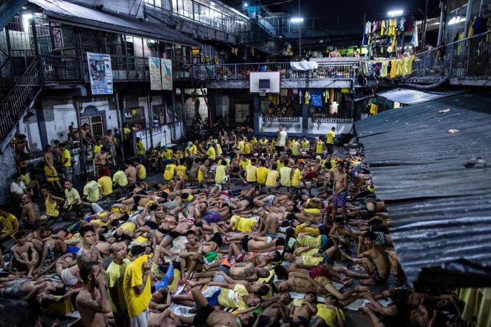 Жуткие условия филиппинской тюрьмы