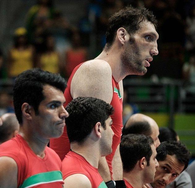 Иранский волейболист оказался самым высоким спортсменом за всю историю Пара ...