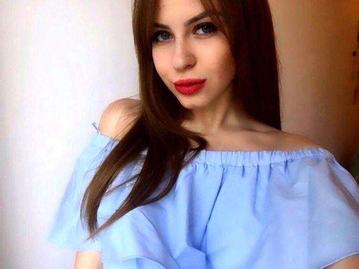 Россиянка выставила на продажу девственность, чтобы оплатить учебу за рубеж ...