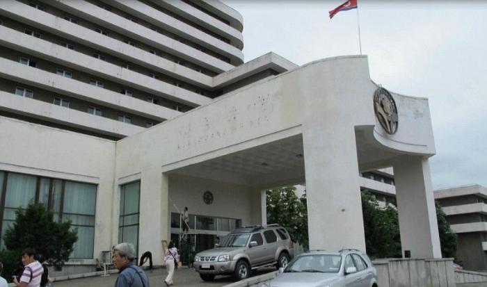 Внутри самого престижного отеля в Северной Корее