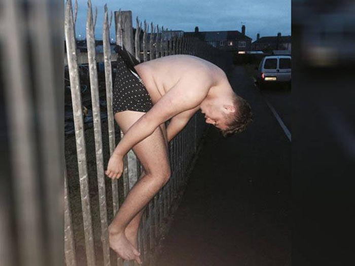 Пьяный парень стал героем фотожаб