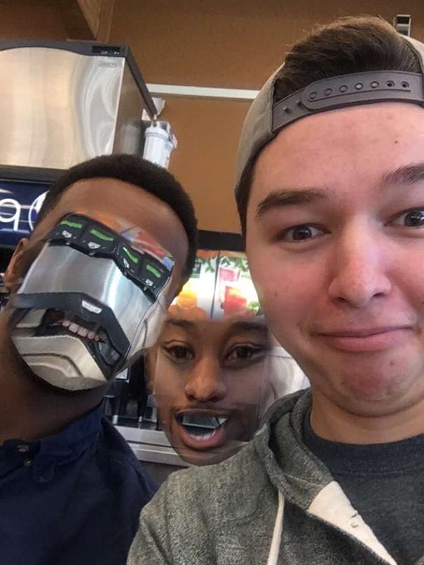 приложение фото приколы с лицом укусил