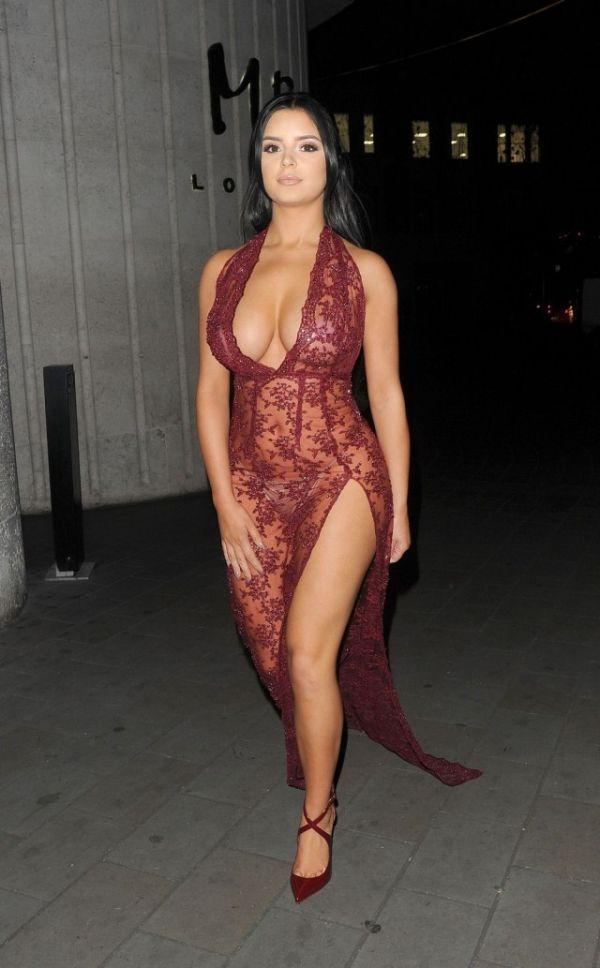 Деми Роуз вновь надела откровенное платье