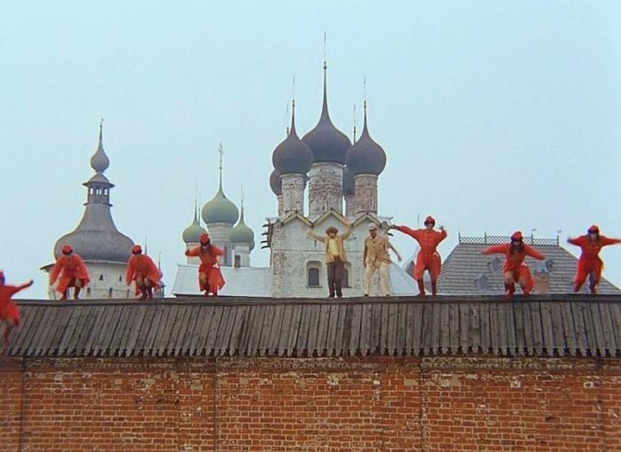 Стена из кинофильма «Иван Васильевич меняет профессию»