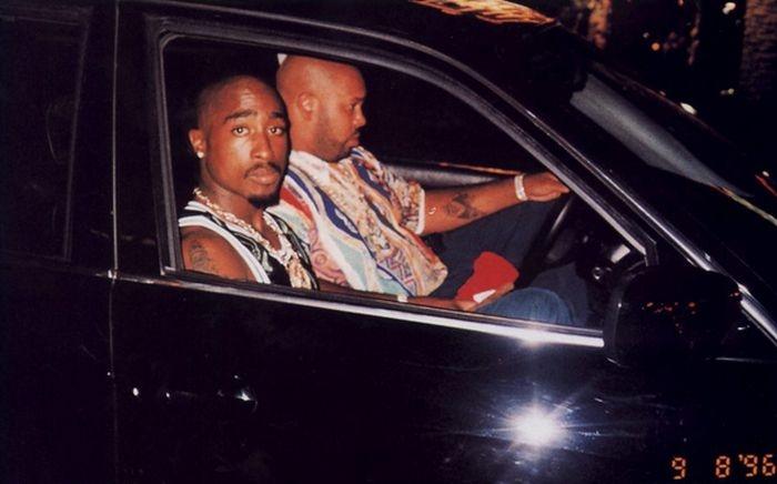 В США продают автомобиль, в котором был застрелен рэпер Тупак Шакур