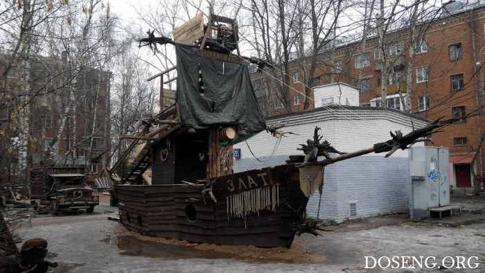 В Москве из-за жалоб пенсионеров снесли уникальную детскую площадку