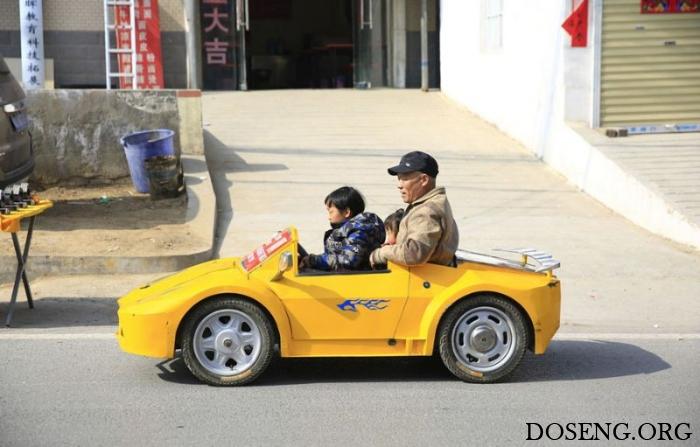 Дедушка собрал своему внуку мини-суперкар Lamborghini