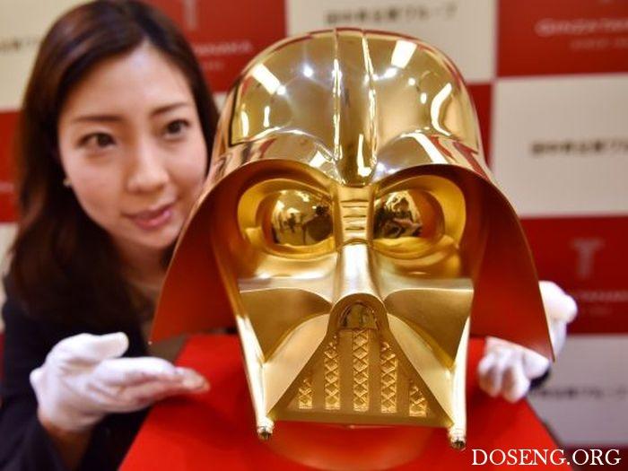 В Японии продадут золотой шлем Дарта Вейдера за 1,4 млн долларов
