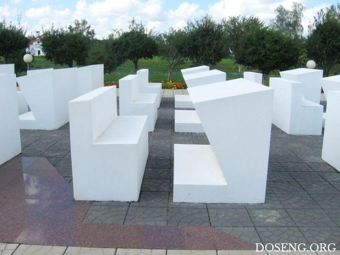 Памятник погибшим детям в белорусской деревне Красный Берег