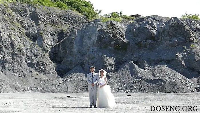 Семейная пара сделала необычные фото для свадебного альбома