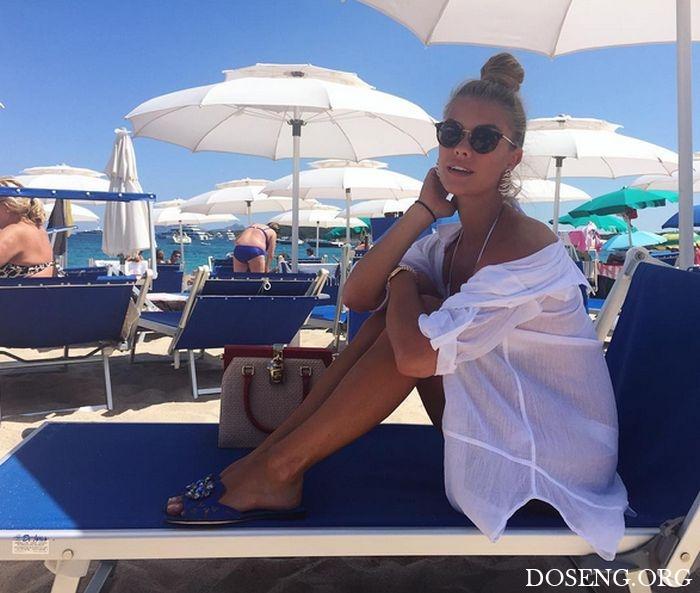 Нина Агдал, бывшая девушка Леонардо ДиКаприо, поделилась соблазнительными ф ...