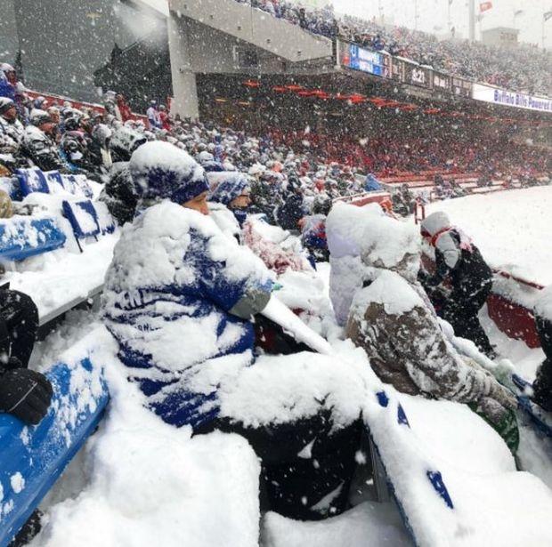 «Самый зимний» матч по американскому футболу