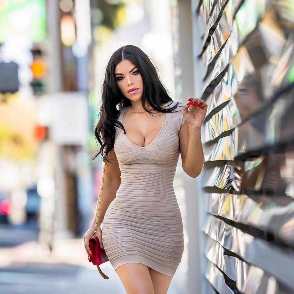 баранины фото в обтягивающих платьях том, что ростове