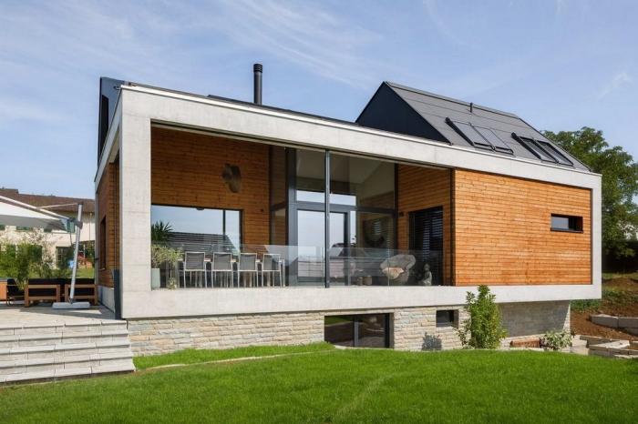 Простой дом в швейцарской коммуне