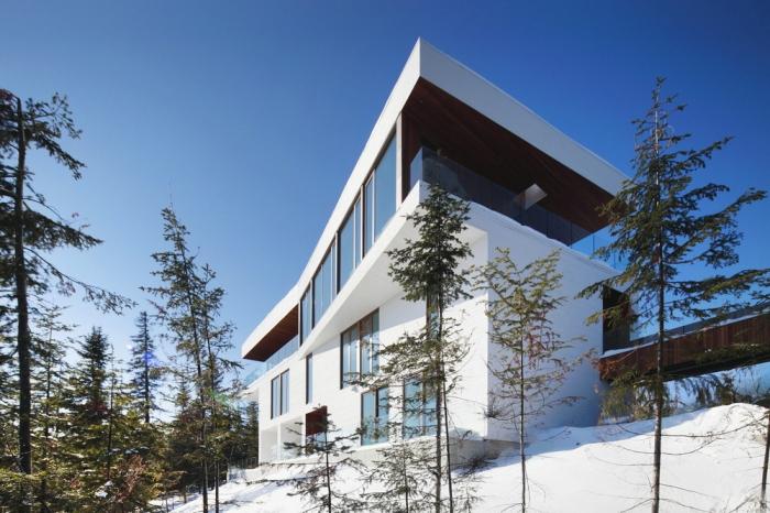 Резиденция на склоне горы в Канаде