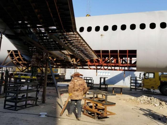 Китайский фермер потратил $125 000 на создание копии Airbus А320 в натуральную величину