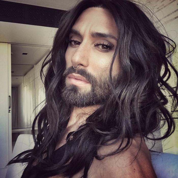 Бородатая певица Кончита Вурст сообщила о том, что больна ВИЧ