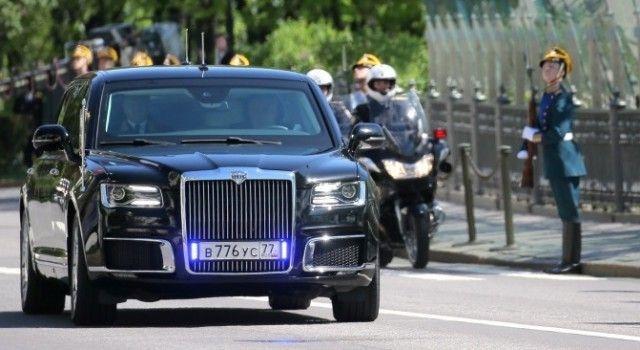 Лимузин «Кортеж» президента Владимира Путина получил вполне обычные номера
