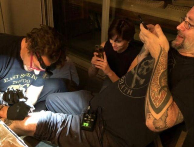 Актеры первого состава «Мстителей» сделали одинаковые татуировки