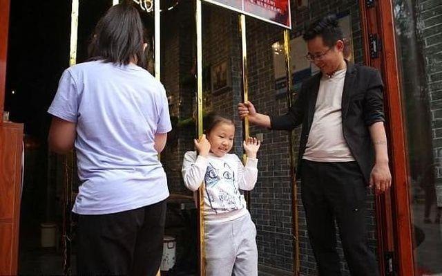 Китайский ресторан обещает бесплатно накормить худых клиентов