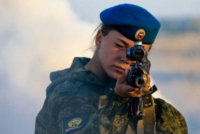 Девушки в силовых структурах нашей страны