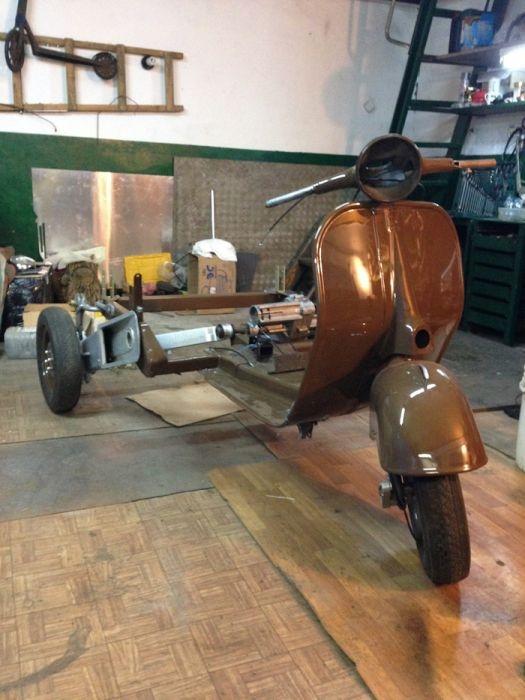 Реставрация советского грузового мотороллера Вятка МГ-150