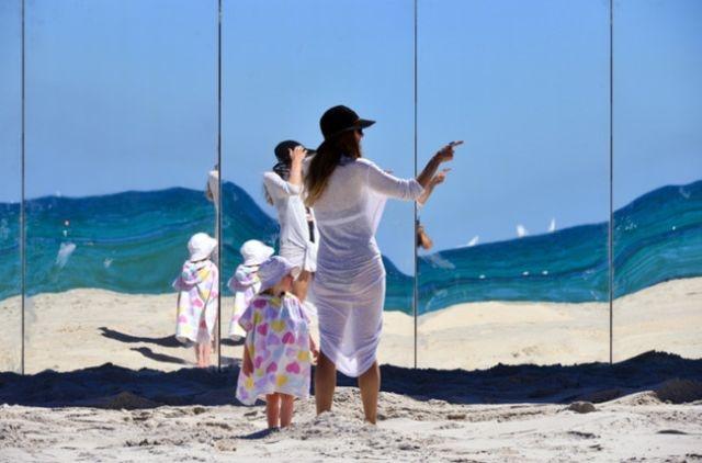 Зеркальный остров на австралийском пляже