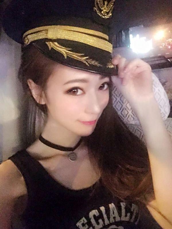 Милая сотрудница дорожной полиции Тайваня