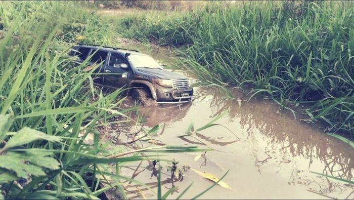 Внедорожник Toyota Land Cruiser 200 своими руками
