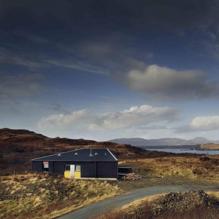 «Черный дом» на острове Скай в Канаде