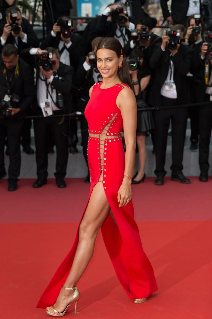 Ирина Шейк в сексуальном платье без белья