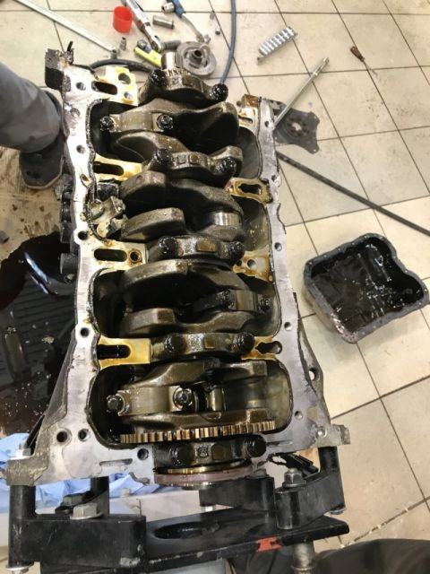 К чему приводит экономия на замене масла в двигателе