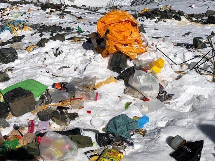 Как Эверест превращается в свалку